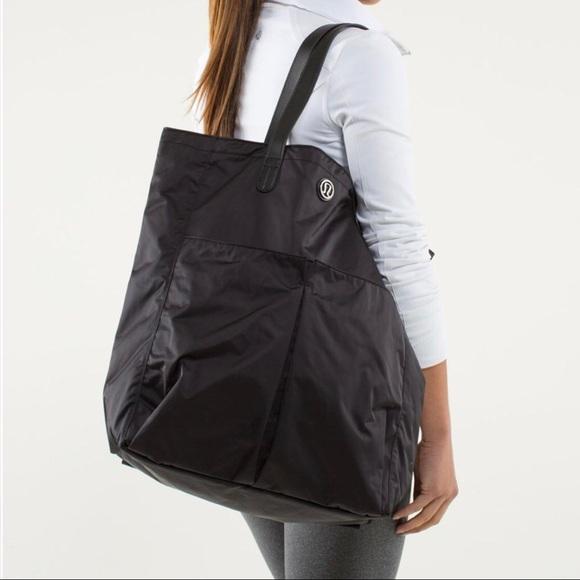 3f071f849666 lululemon athletica Handbags - Lululemon